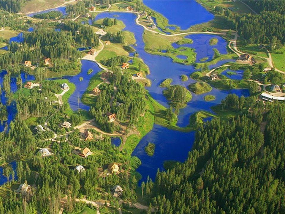 A Amatciems il ny a que des réserves naturelles d'eau douce : étangs, lacs et ruisseaux. Ceux-ci sont connectés entre eux afin déquilibrer leur niveau
