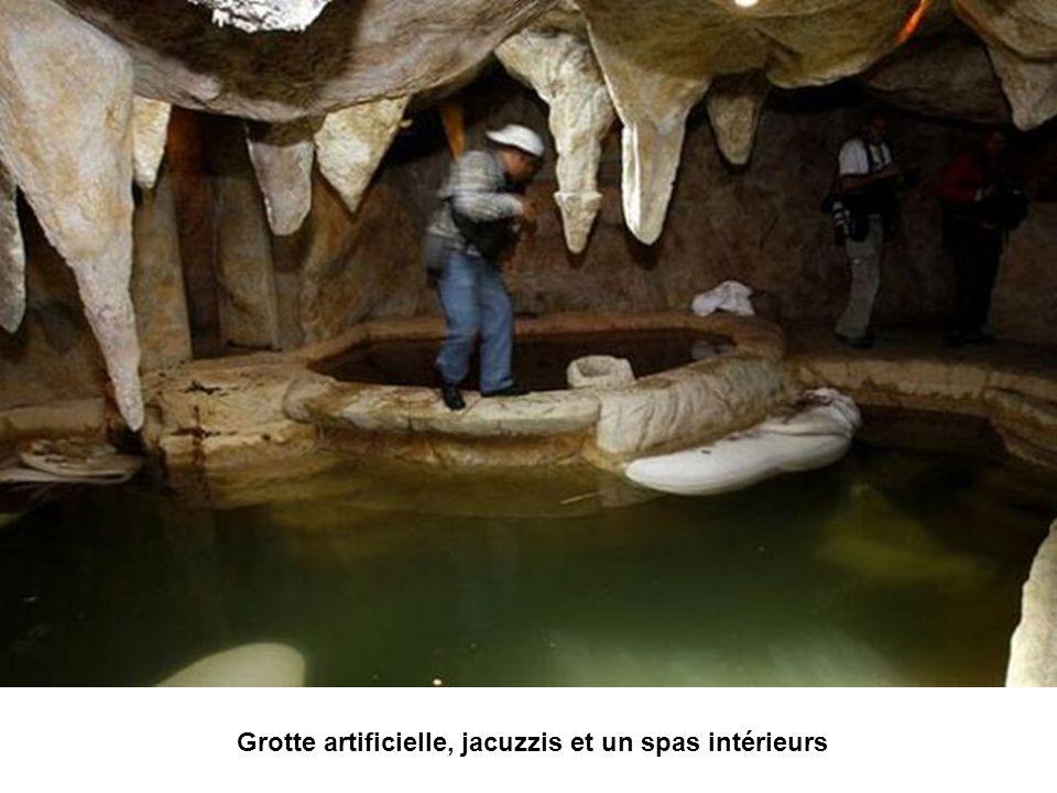 Grotte artificielle, jacuzzis et un spas intérieurs