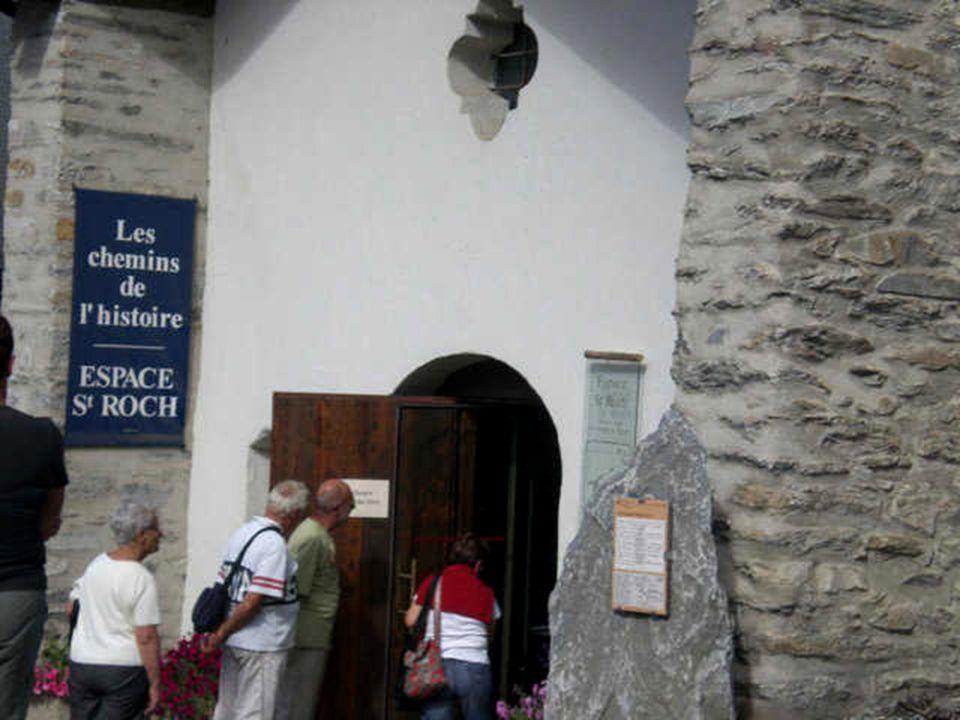 Chapelle Saint Roch, de 1634, à Lanslevillard. En hiver. Patron des voyageurs, des guérisseurs, des pestiférés. La peste de 1630 à fait 136 mort à Lan