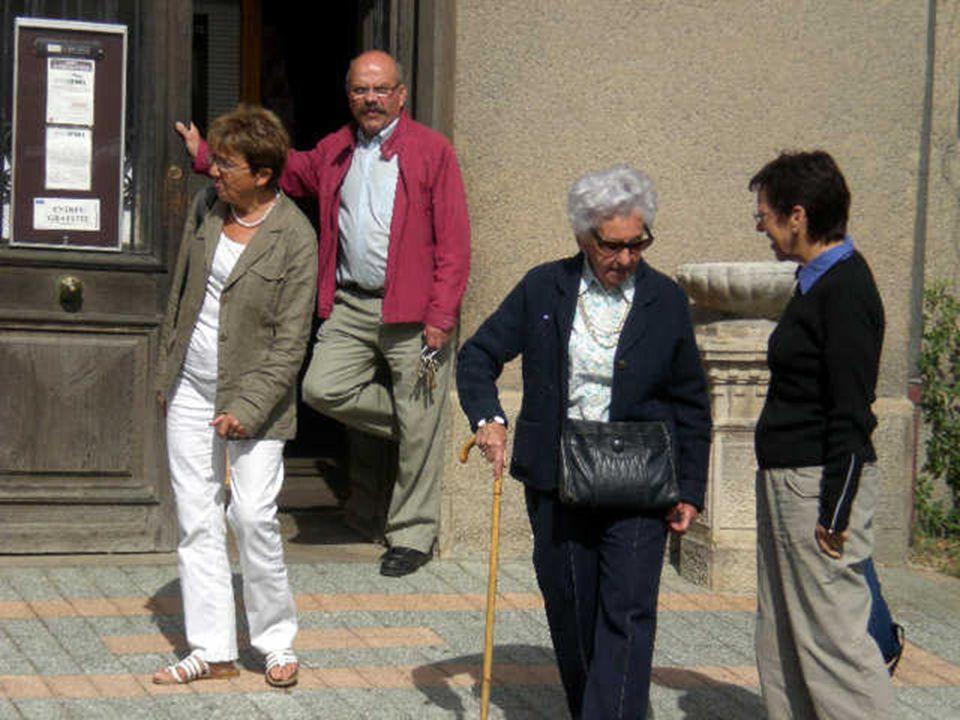 http://www.opinel-musee.com/fr/index.aspx http://www.opinel-musee.com/fr/visite-virtuelle.aspx Pour la visite, cliquer sur les liens : St-Jean-de-Maur