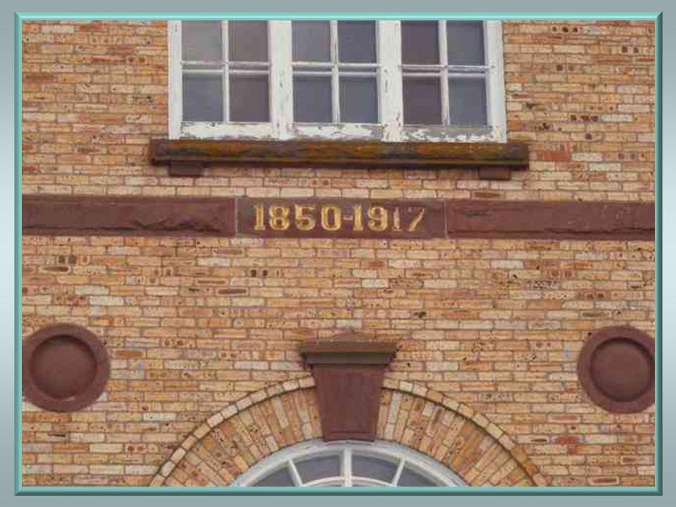 Léglise actuelle, dans sa forme originale, fut construite à partir de 1850, alors que labbé Nicolas Audet était curé de la paroisse. Elle fut bénite s