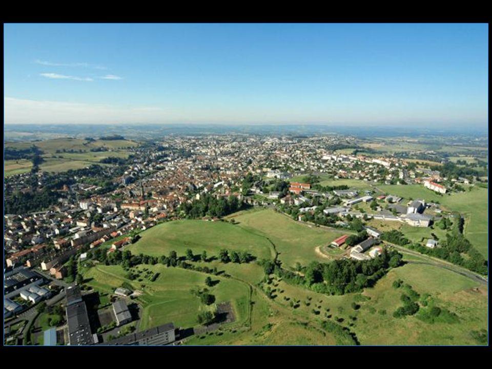 Aurillac 27924 habitants Les Aurillacois