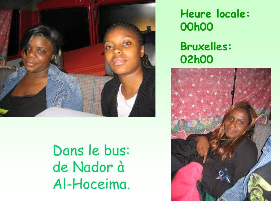 Dans le bus: de Nador à Al-Hoceima. Heure locale: 00h00 Bruxelles: 02h00