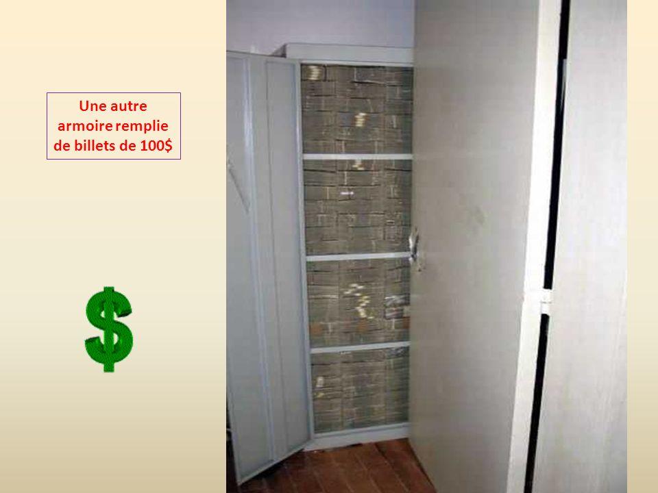 18 containers en plastique remplis de billets de 100$ furent trouvés.