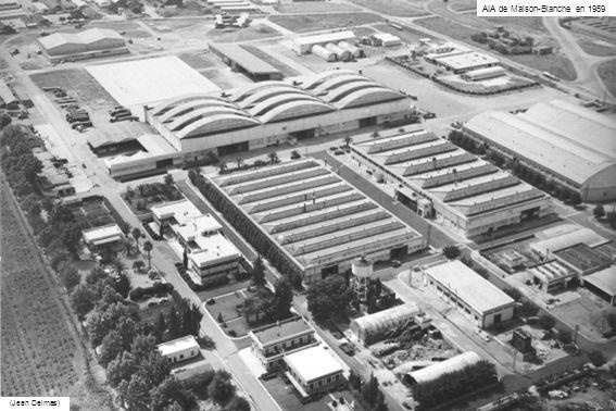 Installations (voir Les AIA, par COMAERO) En 1962, les surfaces couvertes représentent 74 000 m2 Elles comprennent : - Le hall de Montage des avions : 12 000 m2 - Le hangar hélicoptères (quelques milliers de mètres carrés couverts, à quoi sajoutait la zone contiguë réservée aux essais) - Latelier Moteurs, qui a fait lobjet dune étude poussée dorganisation, et les bancs dessai des pompes : 9 000 m2 - Le bâtiment Equipements (y compris 500 m2 réservés aux services techniques et dapprovisionnement) : 2 500 m2 - Latelier Eléments davions : 9 000 m2 - Latelier Menuiserie (pour la fabrication du Stampe SV4 et lentretien davions en bois) : 9 000 m2 - Latelier Machines-outils : 10 000 m2 - latelier de Peinture installé sur une nappe deau en perpétuelle circulation absorbant les vapeurs de peinture refoulées au sol par des ventilateurs, et surnommé latelier lacustre - Le bâtiment Direction et Administration : 2 500 m2 - Le bâtiment Entretien : 1 500 m2 - Le bâtiment Moyens généraux et achats : 2 000 m2 - Les Magasins - La Cantine et le Mess - Le hall de Piste, situé en bordure nord de laérodrome, abrite les appareils arrivant en réparation ou en sortant : 5 000 m2 Les bancs dessai des moteurs à pistons est situés sur laérodrome en dehors de lusine.