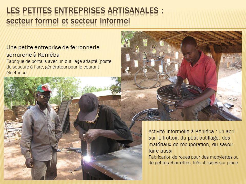 Une petite entreprise de ferronnerie serrurerie à Keniéba Fabrique de portails avec un outillage adapté (poste de soudure à larc, générateur pour le c