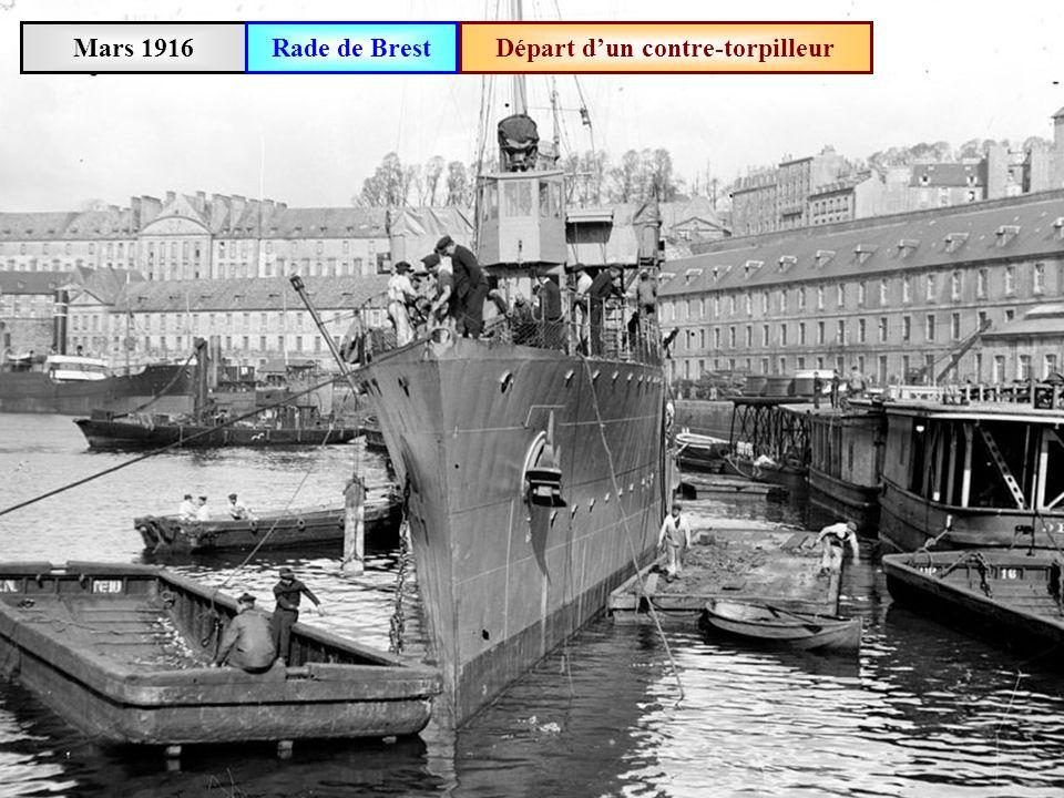 Mars 1916 Repas des matelots à bord du cuirassé « Lorraine »