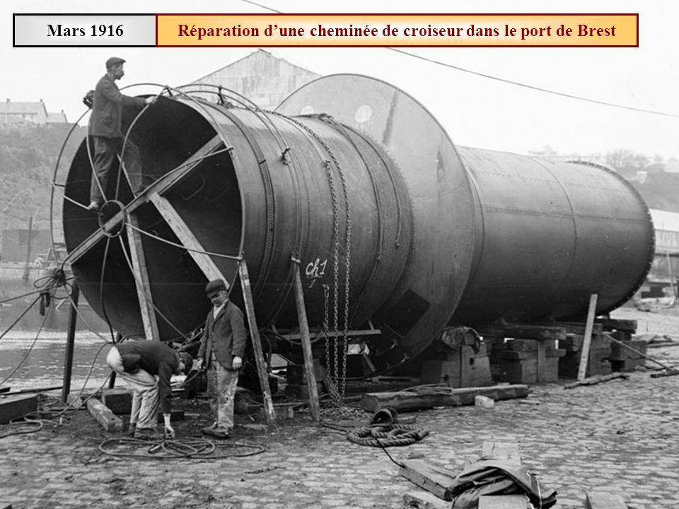 Mars 1916 Arsenal de Brest Construction dune canonnière