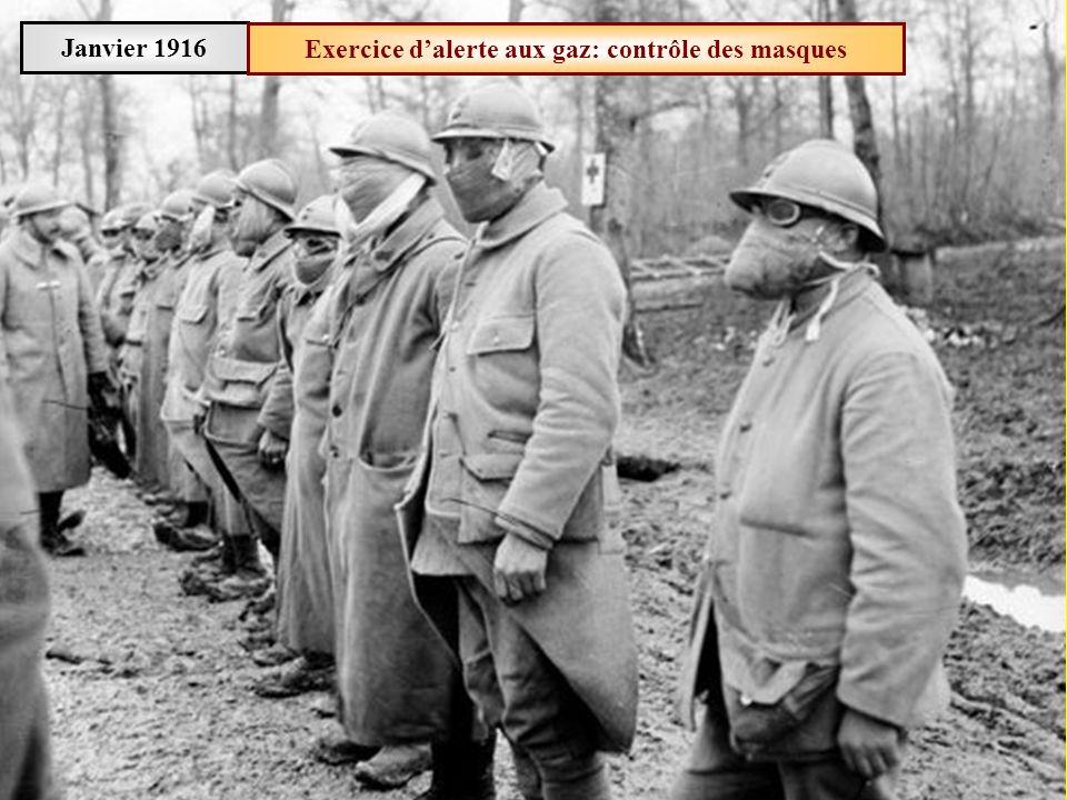 Mars 1916Usine pyrotechnique de Saint-Nicolas: peinture des obus