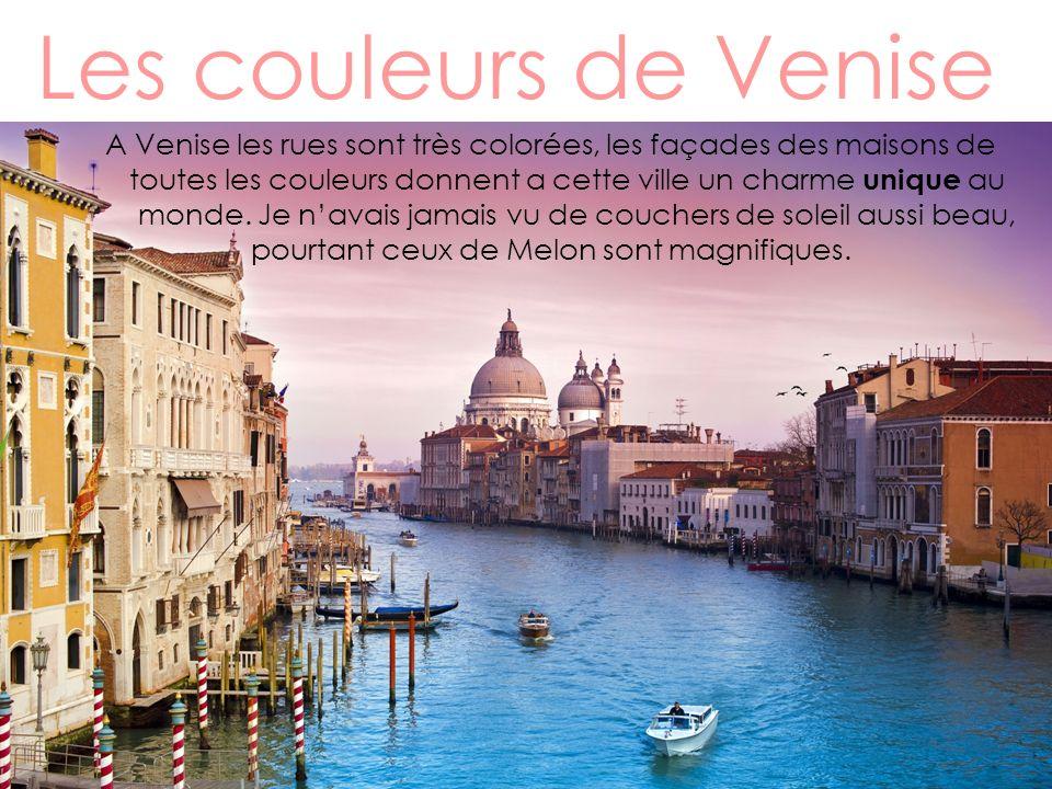 Les théâtres de Venise Les théâtres de Venise sont grands et majestueux, celui où je suis allé sappelle La Fénice cest un théâtre de 5 étages qui date du 18 ème siècle.