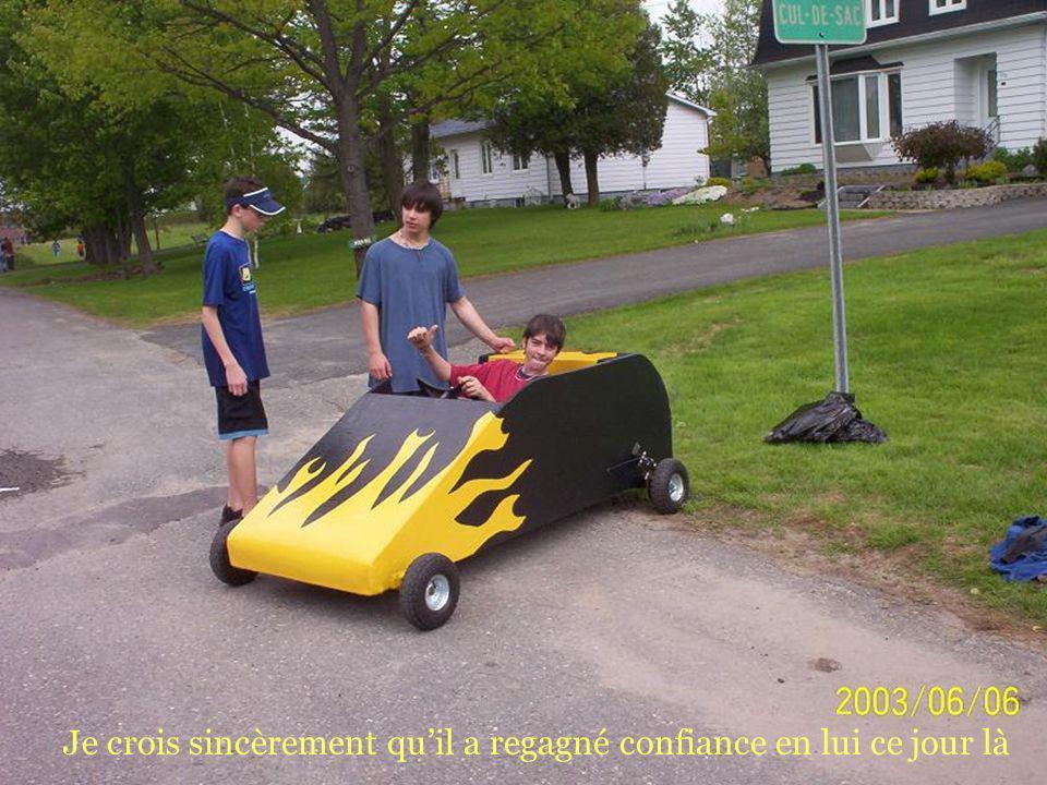 Le 3 roues quil voulait faire avec une motoneige à lécole!
