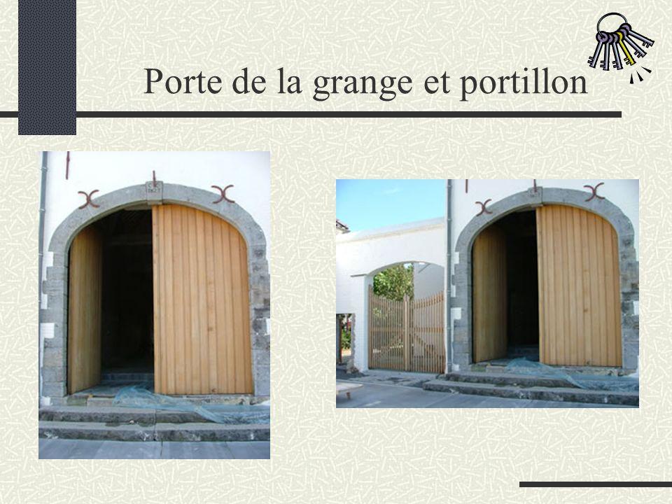 Porte de la grange et portillon