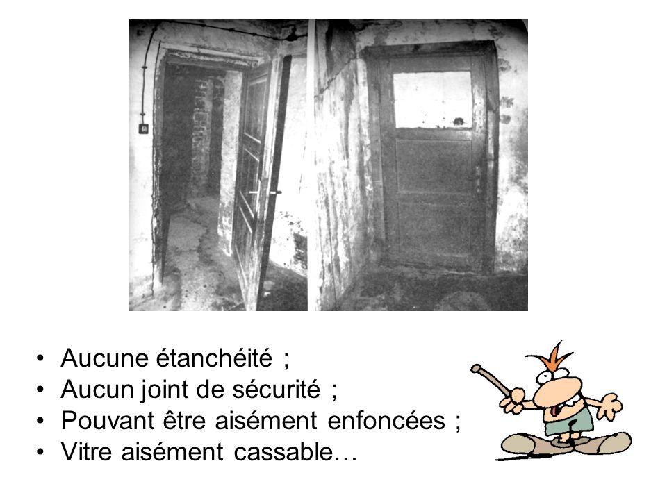 Comparez avec la porte dune vraie chambre à gaz (aux USA) Porte très épaisse ; … en métal ; Avec système de verrouillage ; … et dispositif détanchéité ;