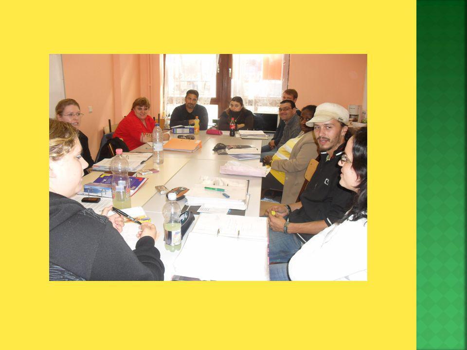 Auxiliaire danimation pour services collectifs. Travaux de bureau – accueil. Destination emploi.