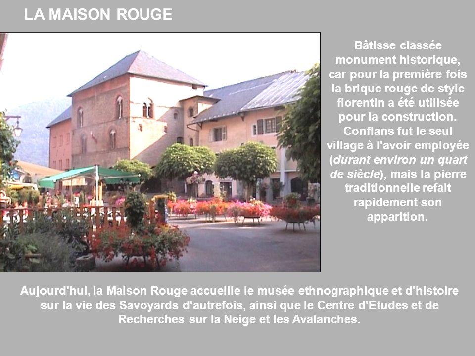 Bâtisse classée monument historique, car pour la première fois la brique rouge de style florentin a été utilisée pour la construction. Conflans fut le