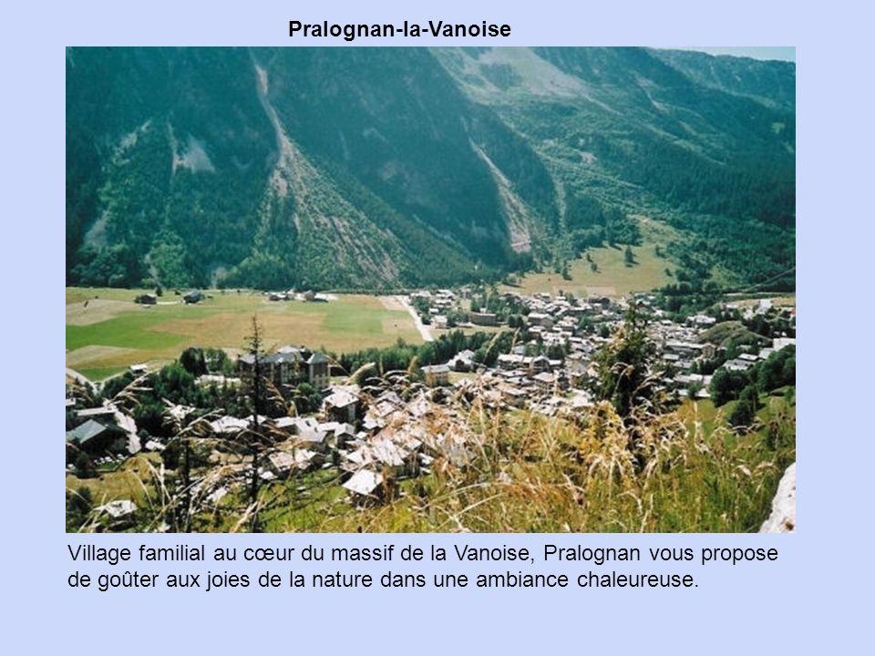 Saint-Véran Plus haute commune d'Europe, nichée à 2 040 mètres d'altitude,