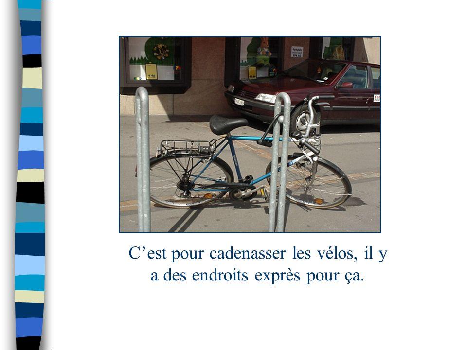 A Coffrane, il ny a pas de piste cyclable. Cest moins dangereux de rouler à vélo.