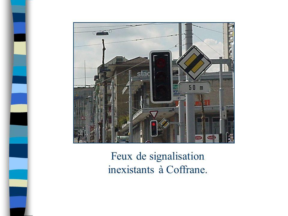 Feux de signalisation inexistants à Coffrane.