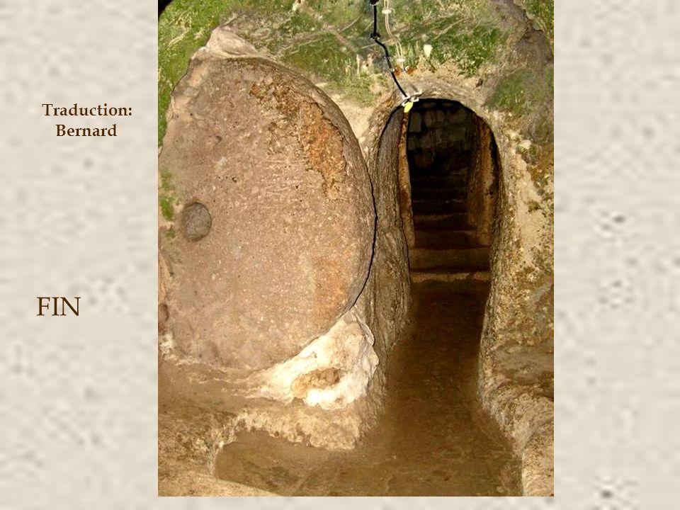 La ville a profité de l'existence d'une rivière souterraine; il avait des puits d'eau et on a découvert des ventilateurs daération magnifiques (52 pui
