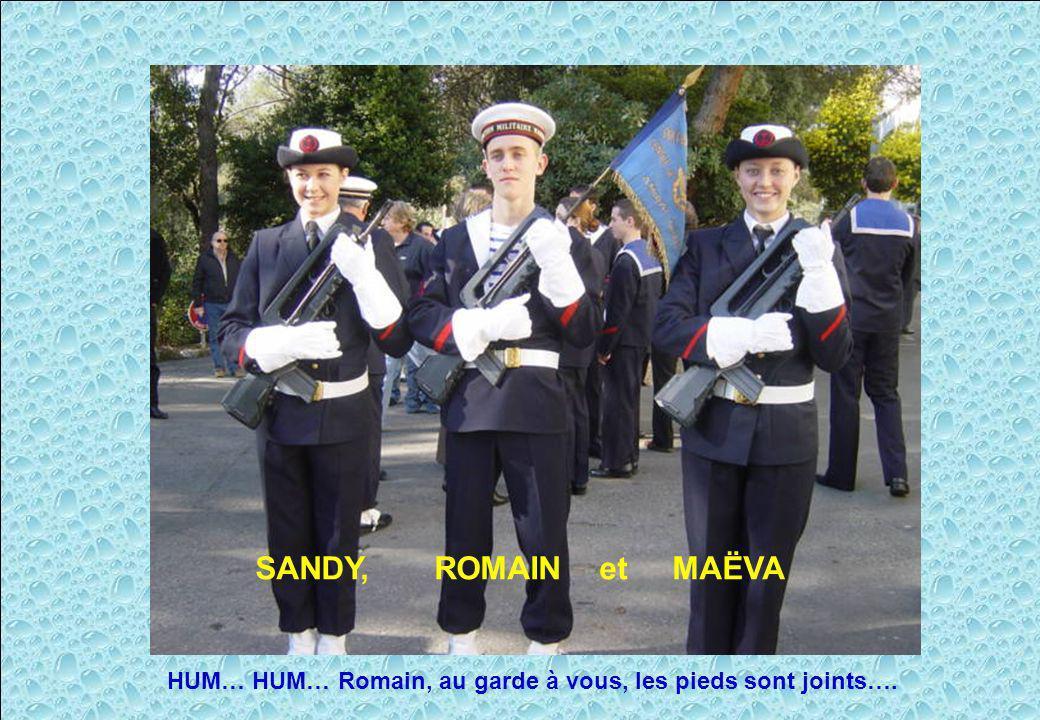 Le fanion est maintenant remis au centre PMM SANDY, ROMAIN et MAËVA HUM… HUM… Romain, au garde à vous, les pieds sont joints….