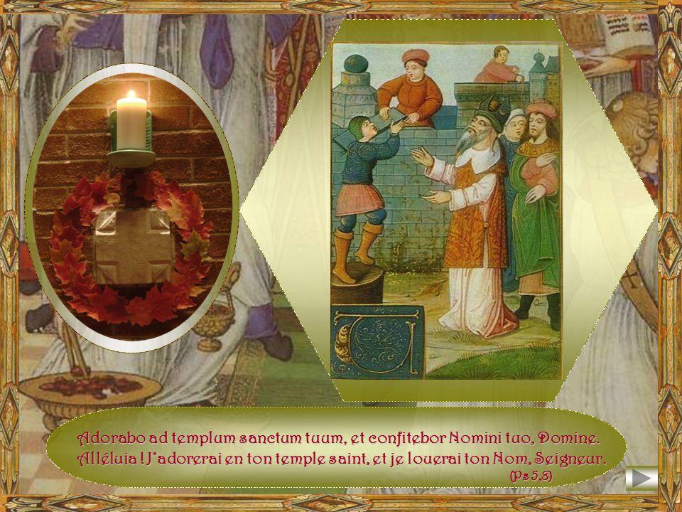 Salomon en prière devant la Maison de Yahvé quil vient de bâtir. À S a l o m o n, l e R o i p a c i f i q u e, r e v i n t l a g l o i r e d é d i f i