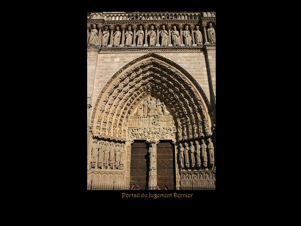 Statue de la Vierge Trumeau du portail du Cloître