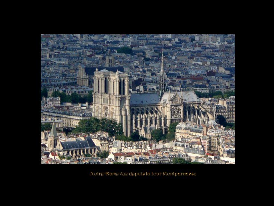Notre-Dame de Paris nest pas la plus grande des cathédrales françaises, mais elle est indiscutablement lune des plus remarquables quait produites larc