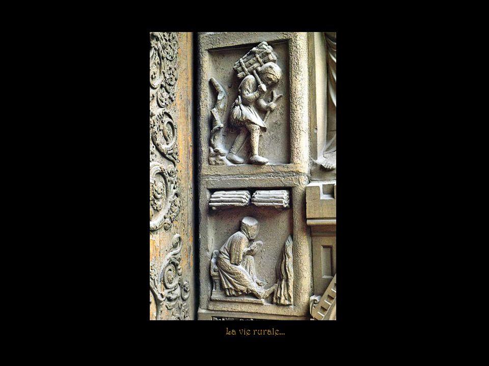 La Pesée des âmes par larchange Saint-Michel Détail du portail du Jugement Dernier