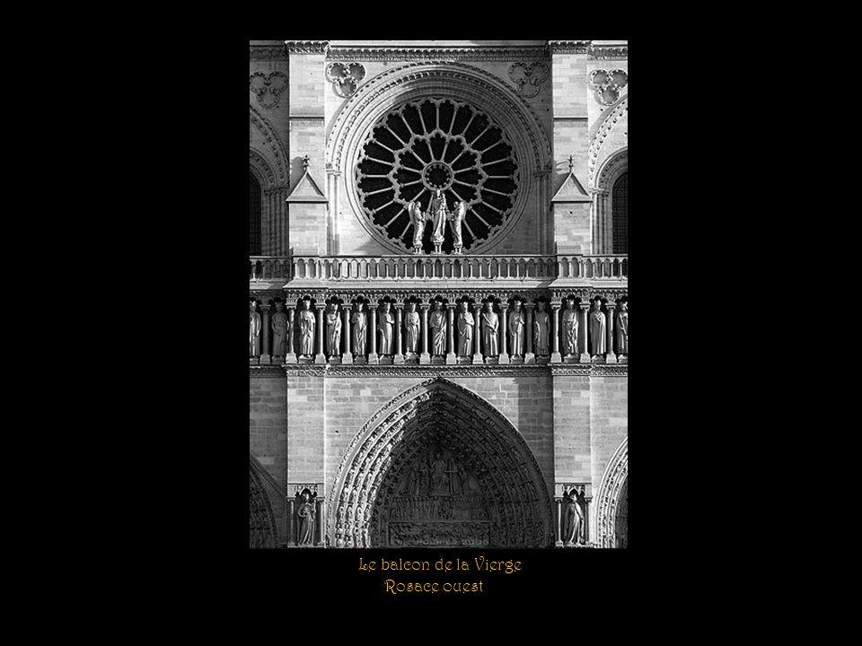Les bas-reliefs des chapelles du chœur. La mort de Marie. Lensevelissement de la Vierge. LAssomption de la Vierge