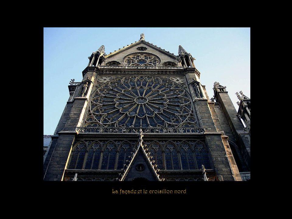 La façade nord Tympan du portail du Cloître