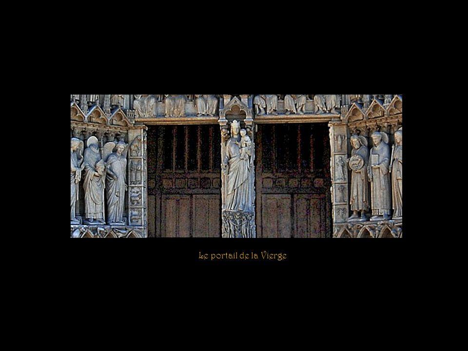 Le portail de la Vierge
