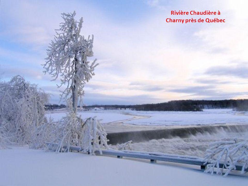 Hockey et patinage rivière Yamaska près des portes de la ville de St-Hyacinthe – Ma ville.
