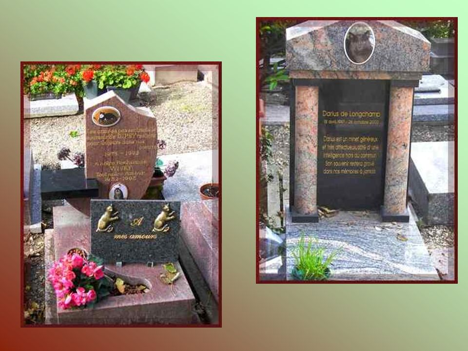 Ce monument funéraire, érigé en 1912, fait partie dun des plus imposants du cimetière. Il est dédié aux chiens policiers victimes du devoir. Il abrite