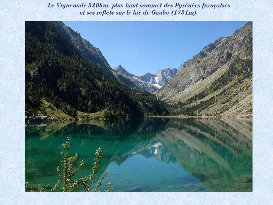 Le lac Castérau 1943m (vallée dOssau).