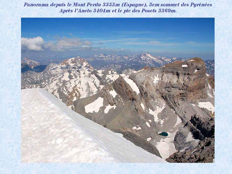 Le pic du midi de Bigorre 2872m. Plus haut observatoire météorologique et astronomique dEurope.
