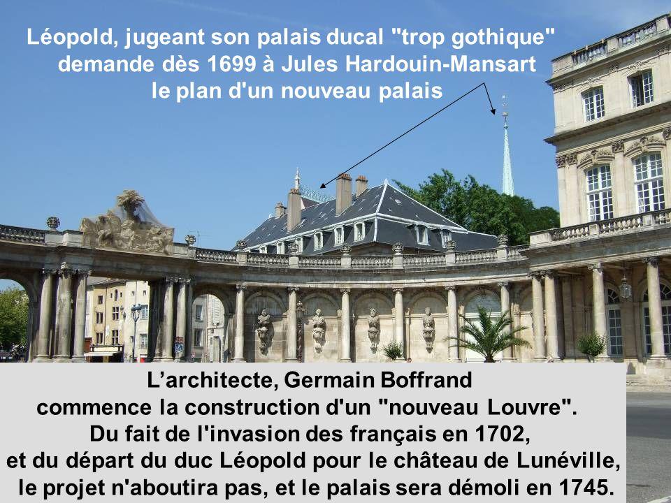 Le roi de France par lintermédiaire de son intendant entre dans le cercle élargi des 12 dieux de lOlympe Sur le modèle architectural de l hôtel de ville,.
