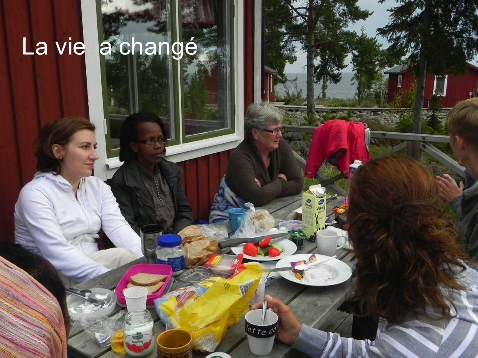 femmes avec des problèmes de santé femmes immigrées femmes réfugiées femmes dans de situations sociales vulnérables femmes separées / divorcées femmes mariées femmes sans permis de séjour permanente femmes en difficultés dinsertion femmes avec des difficultés financières