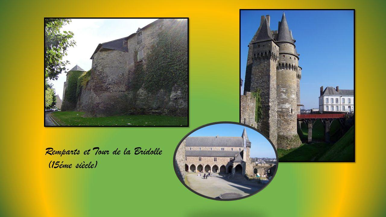 Château des Barons du 13éme avec pont levis, donjon, tours.