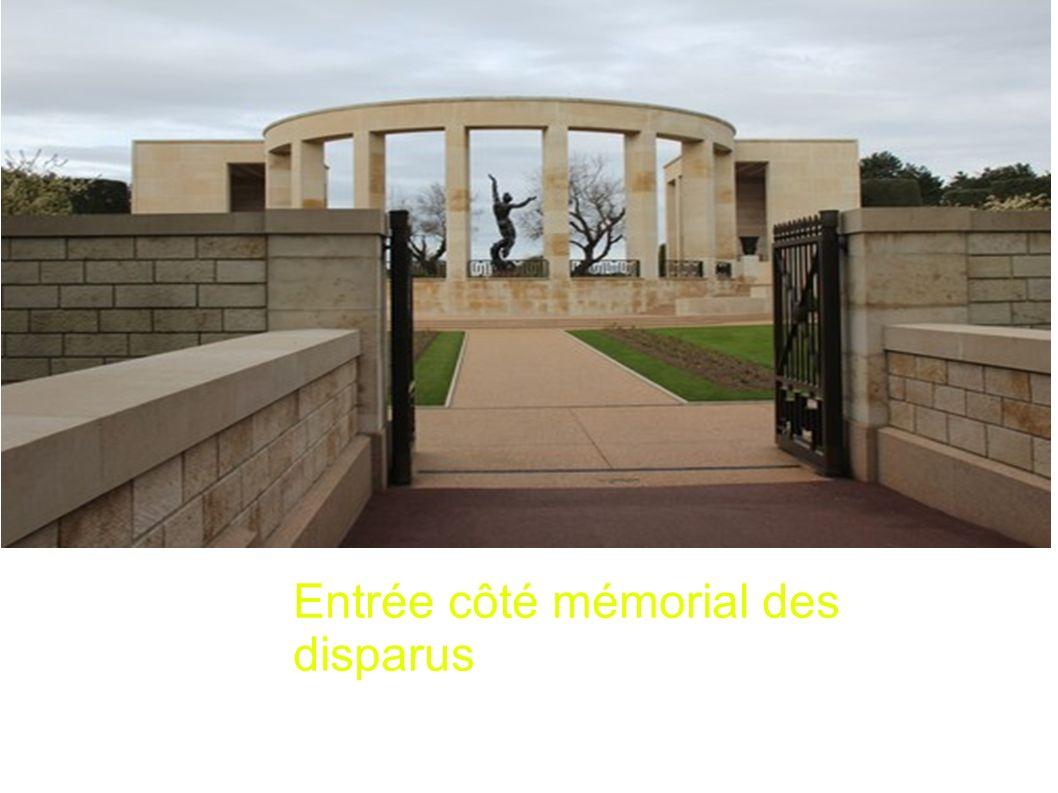 Entrée côté mémorial des disparus