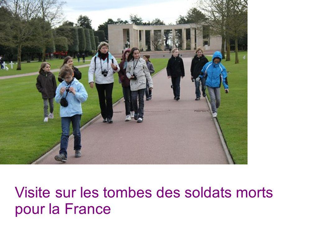 Visite sur les tombes des soldats morts pour la France