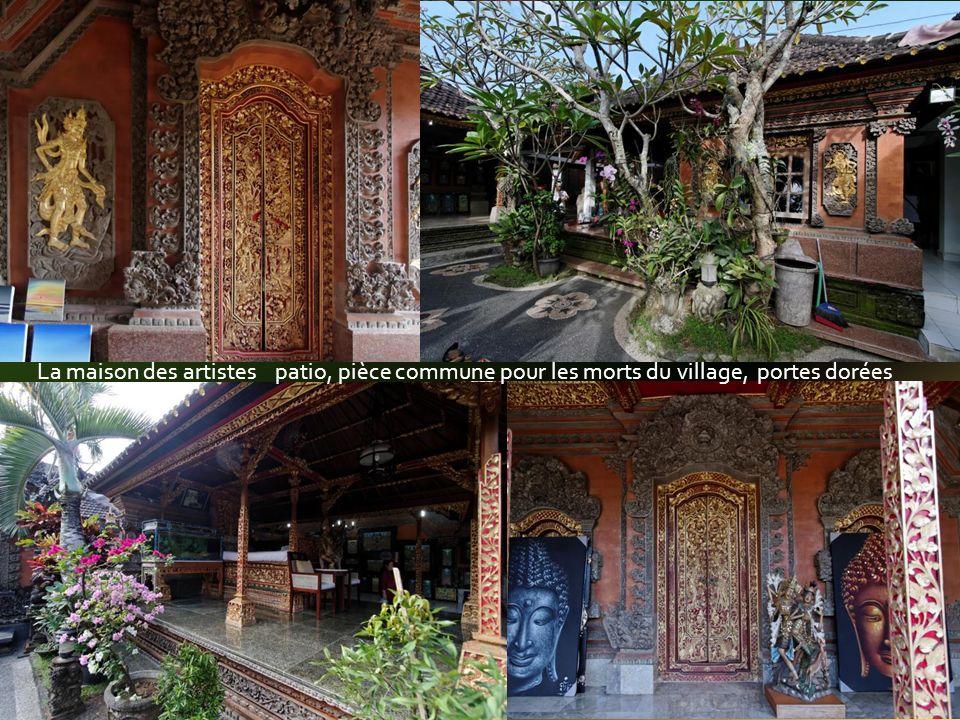 Au menu : temples et pagodes pour le dépôt des offrandes, purification et enfin prière