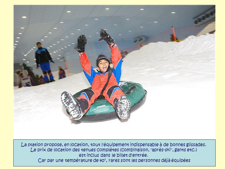 Avec une capacité d'accueil de 1 500 personnes et après quatre mois d'ouverture au public, Ski Dubaï offre un morceau d'hiver à plus de 2 000 personne
