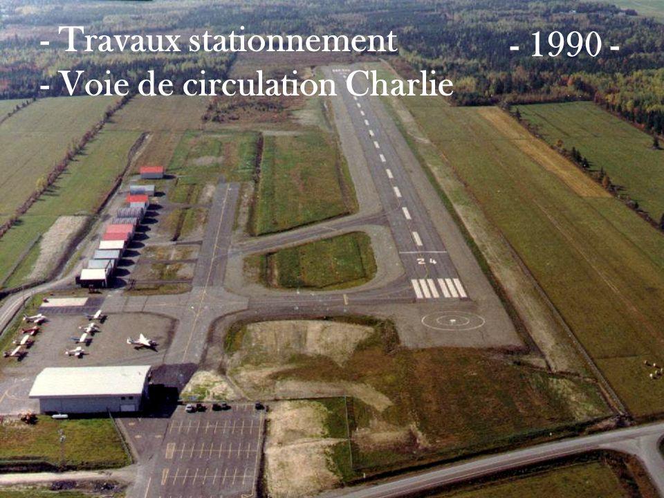 - Travaux stationnement - Voie de circulation Charlie - 1990 -