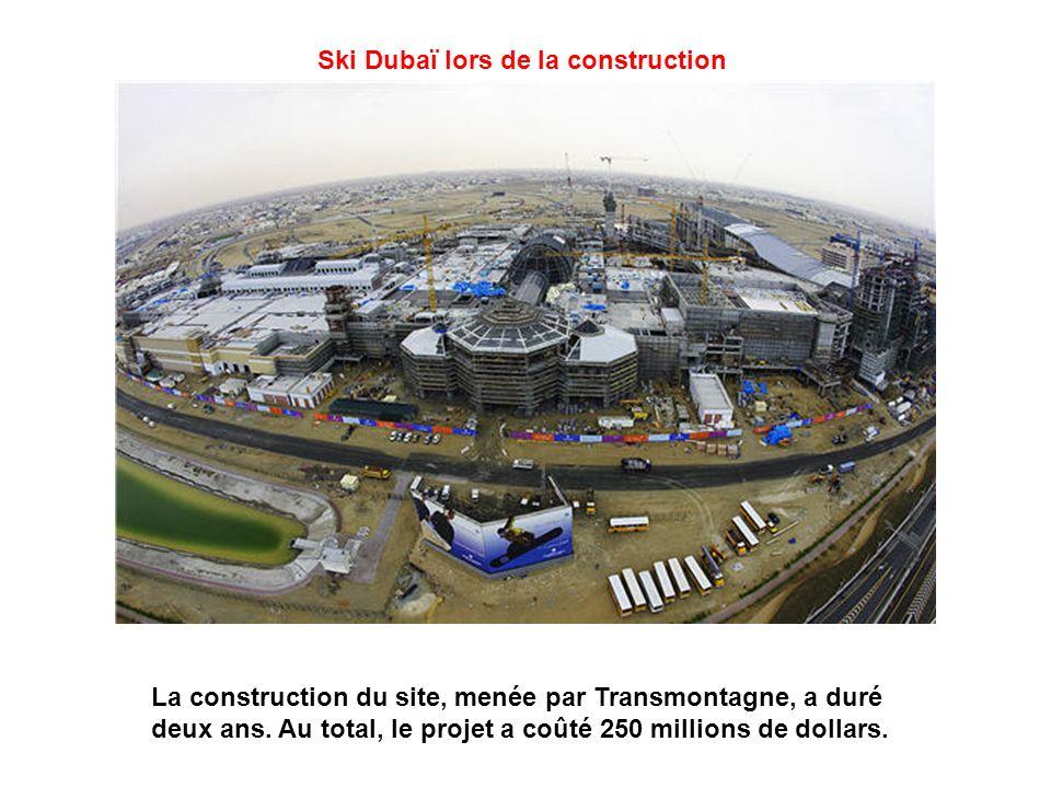 Ski Dubaï lors de la construction La construction du site, menée par Transmontagne, a duré deux ans.