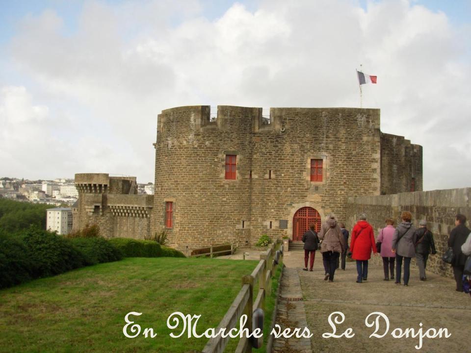 En Marche vers Le Donjon