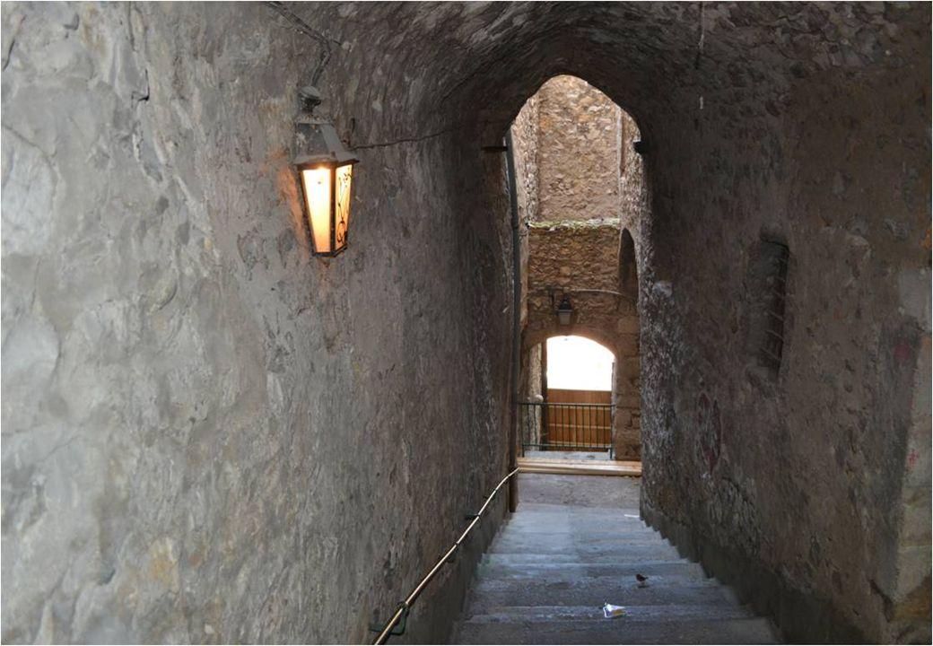 Nous pénétrons dans le centre ancien de Sisteron