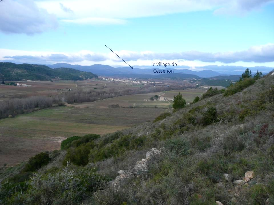 Nous bifurquons, et grimpons ce raidillon doù nous aurons une magnifique vue sur la vallée de lOrb..