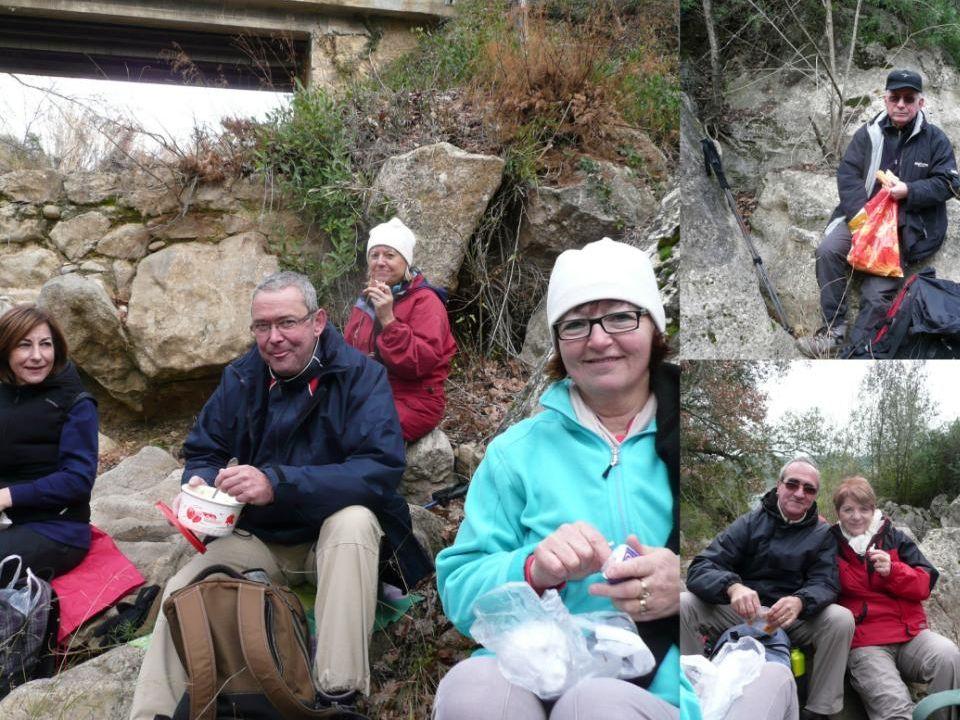 Pause-déjeuner avec vue sur le pont de Réals