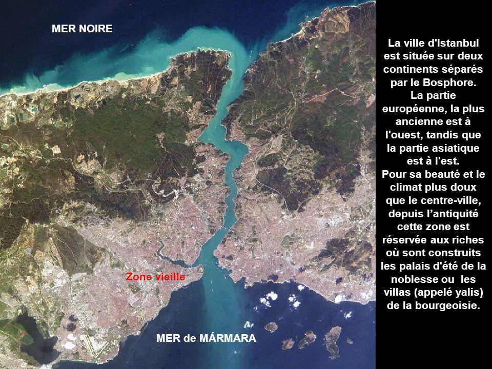 La ville d Istanbul est située sur deux continents séparés par le Bosphore.