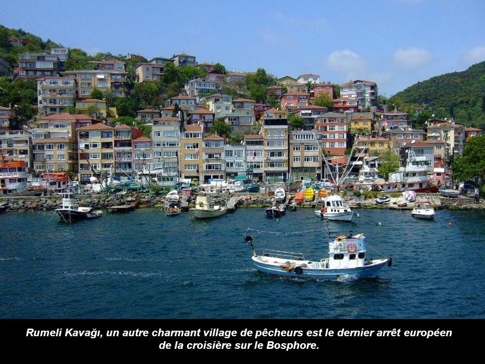 Nous arrivons maintenant à un quartier plus populaire. Sariyer est un paisible village de pêcheurs sans luxueuses villas et yachts à quai.